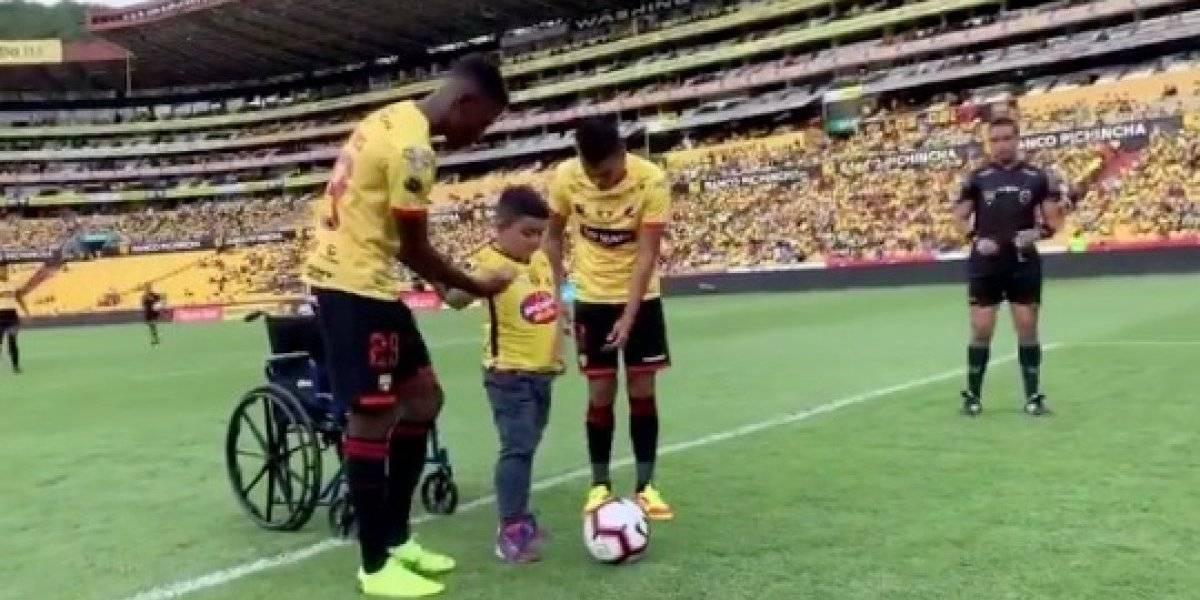 Barcelona SC vs Delfín: Equipo cumple deseo a un niño con capacidades especiales