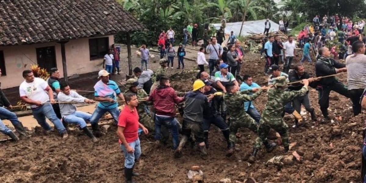 Al menos 14 fallecidos por deslizamiento que arrastró viviendas en Colombia