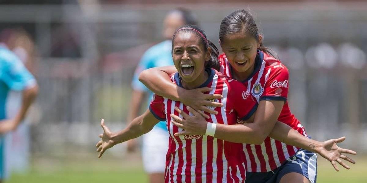 Chivas femenil supera al Querétaro y se mantiene con vida