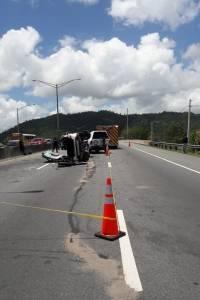 Accidente con auto volcado, Caguas