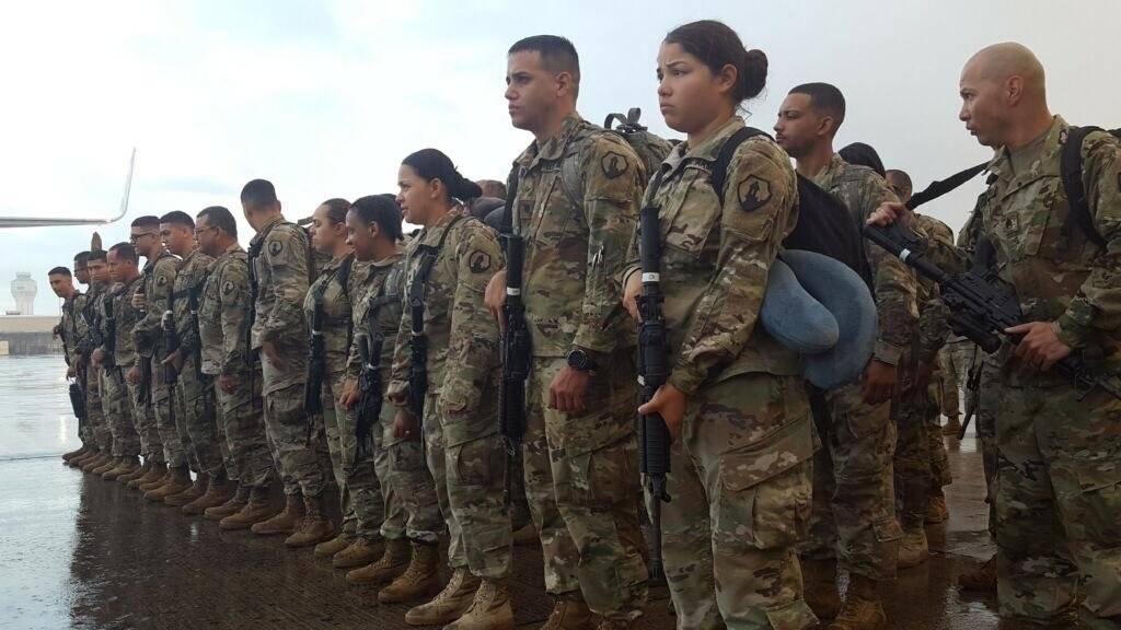 Foto: Parte de los 65 soldados de la Compañía 311 de Asuntos Mortuorios de la Reserva del Ejército que partieron a Medio Oriente Suministrada