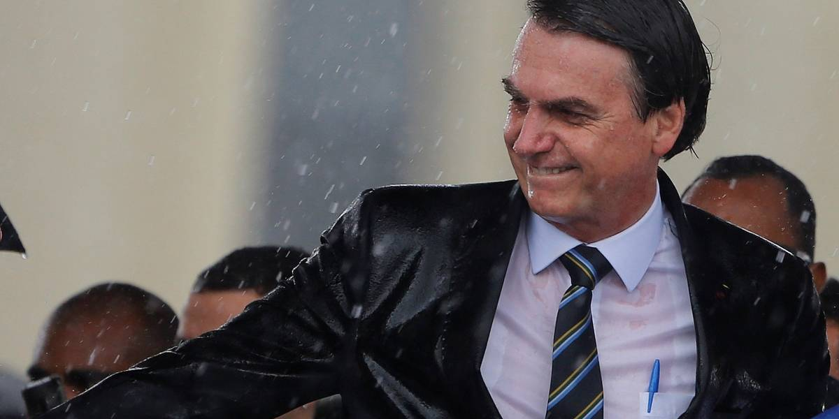 Bolsonaro confirma MP para dobrar tempo de validade da carteira de motorista