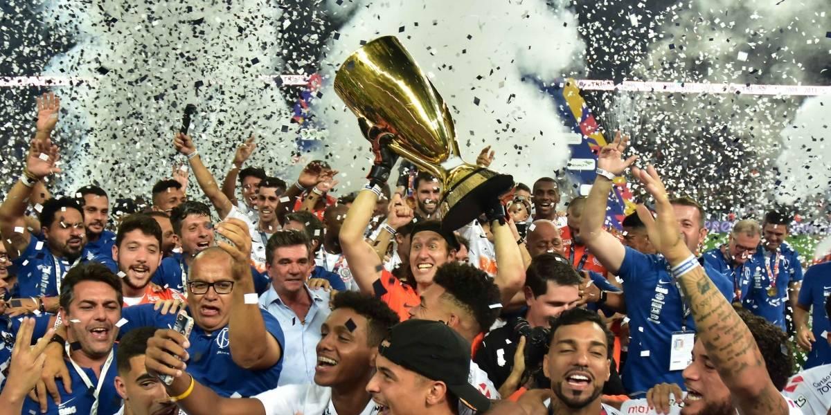 Corinthians vence o São Paulo por 2 a 1 e conquista o tricampeonato do Paulistão