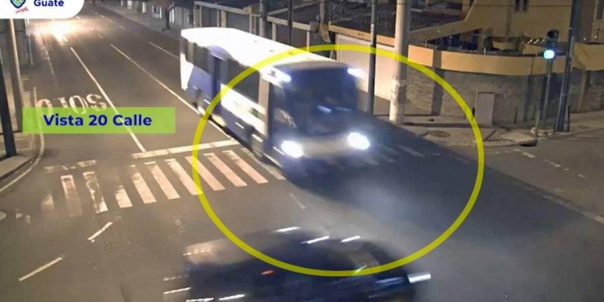 VIDEO. Piloto de Transurbano provoca mortal choque en zona 10