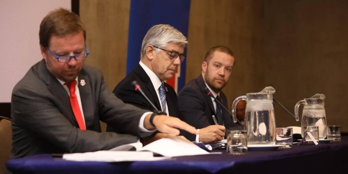 Heller sigue mandando en la U y logra ratificar a Navarrete como presidente de Azul Azul
