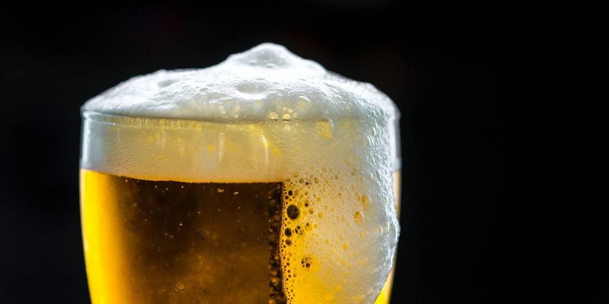 Perdió 44 libras tomando cerveza durante 46 días y ahora todos quieren hacer esta 'dieta'