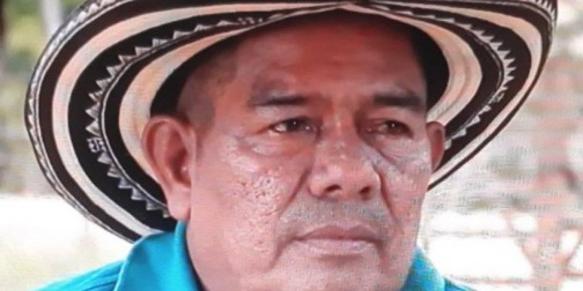 Líder indígena fallece electrocutado tras intentar cargar su celular