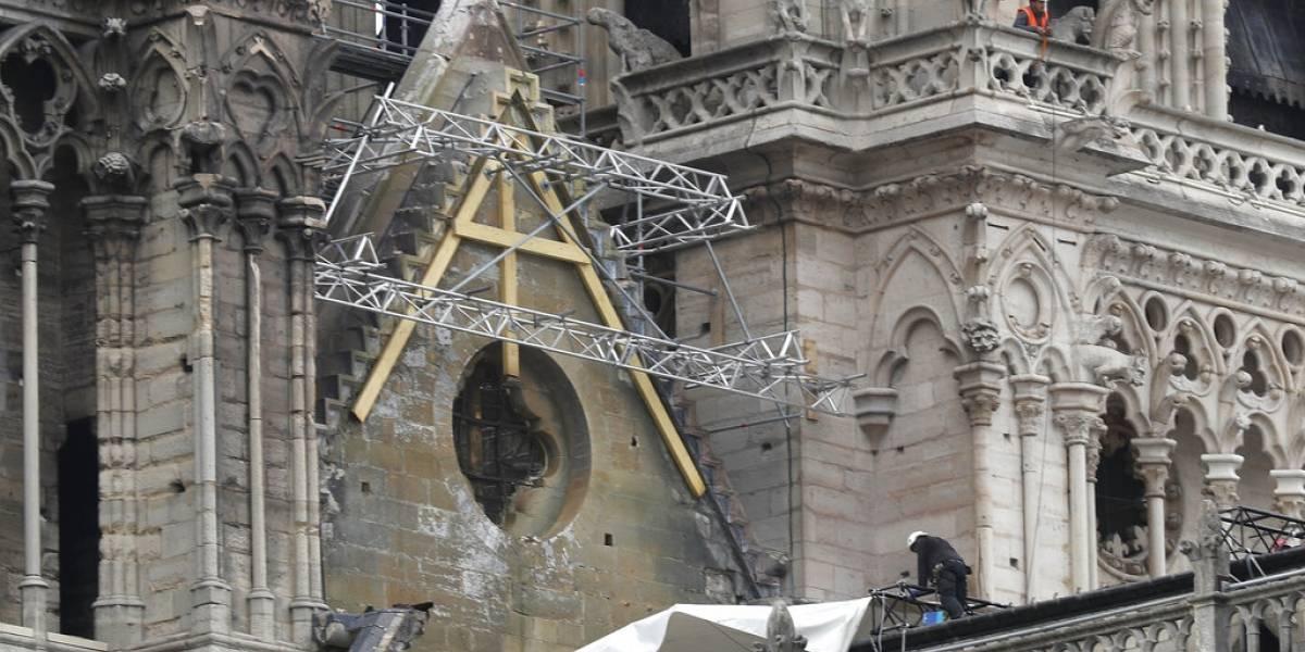 Tratan de proteger a Notre Dame ahora de las lluvias