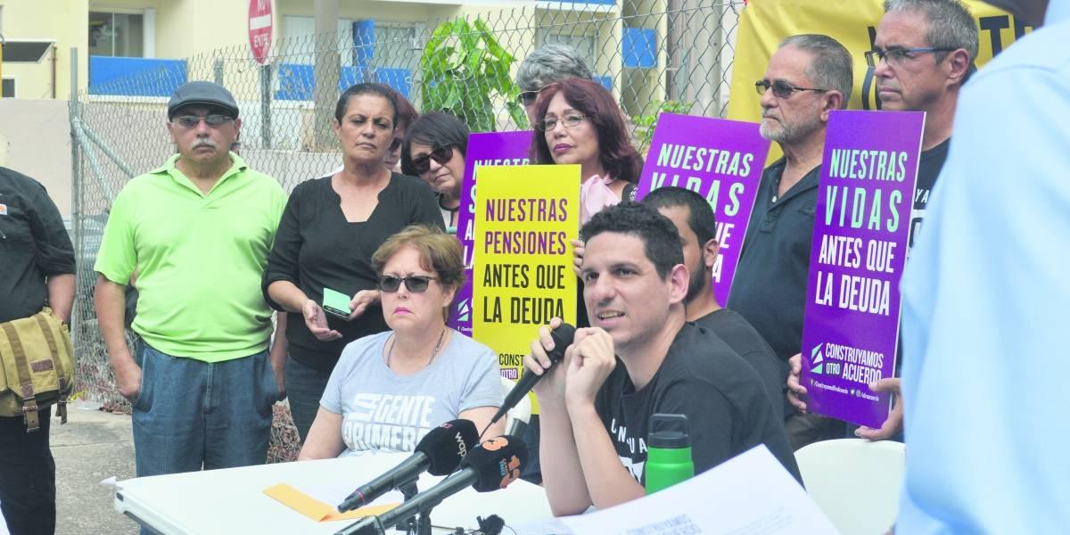 Pensionados denuncian gestión del COR en tribunal