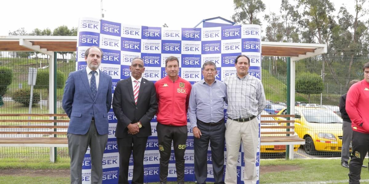 Universidad Internacional SEK recibió al equipo de la Unión Española de Chile