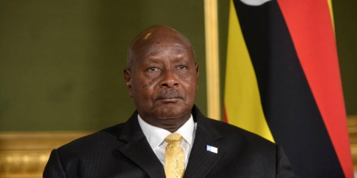 """Presidente de Uganda quiere penalizarel sexo oral: """"La boca es para comer"""""""