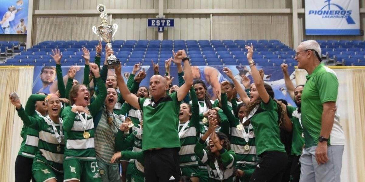 Juanas del Colegio vuelven a la cima del fútbol universitario