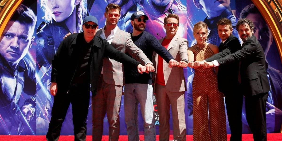 Atores de 'Vingadores: Ultimato' marcam mãos na Calçada da Fama