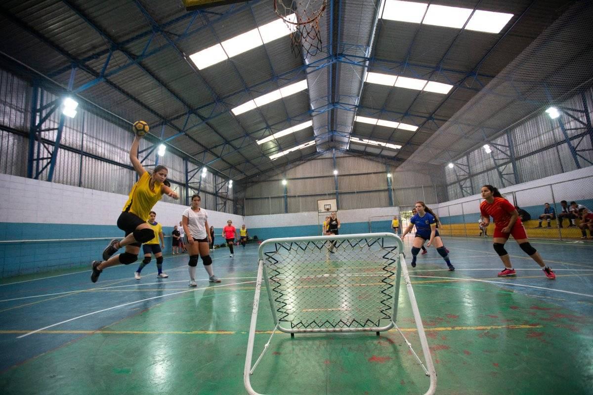 Atletas durante treino do time nacional em ginásio da Casa Verde, em SP André Porto/Metro