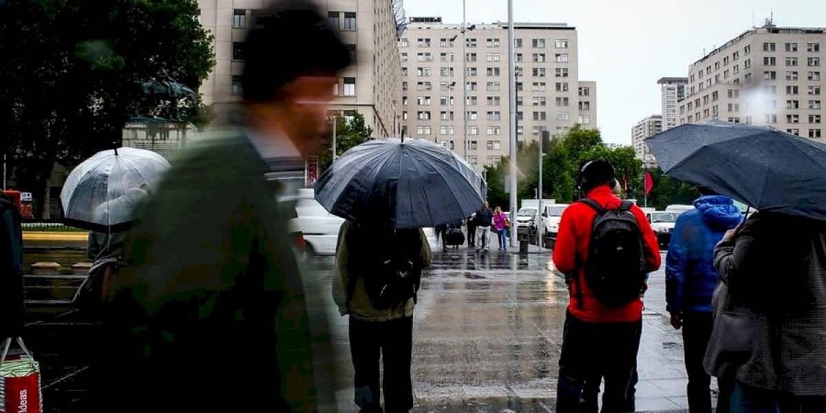 ¿Alguien dijo sopaipillas? Anuncian chubascos para este jueves en Santiago y la zona central del país
