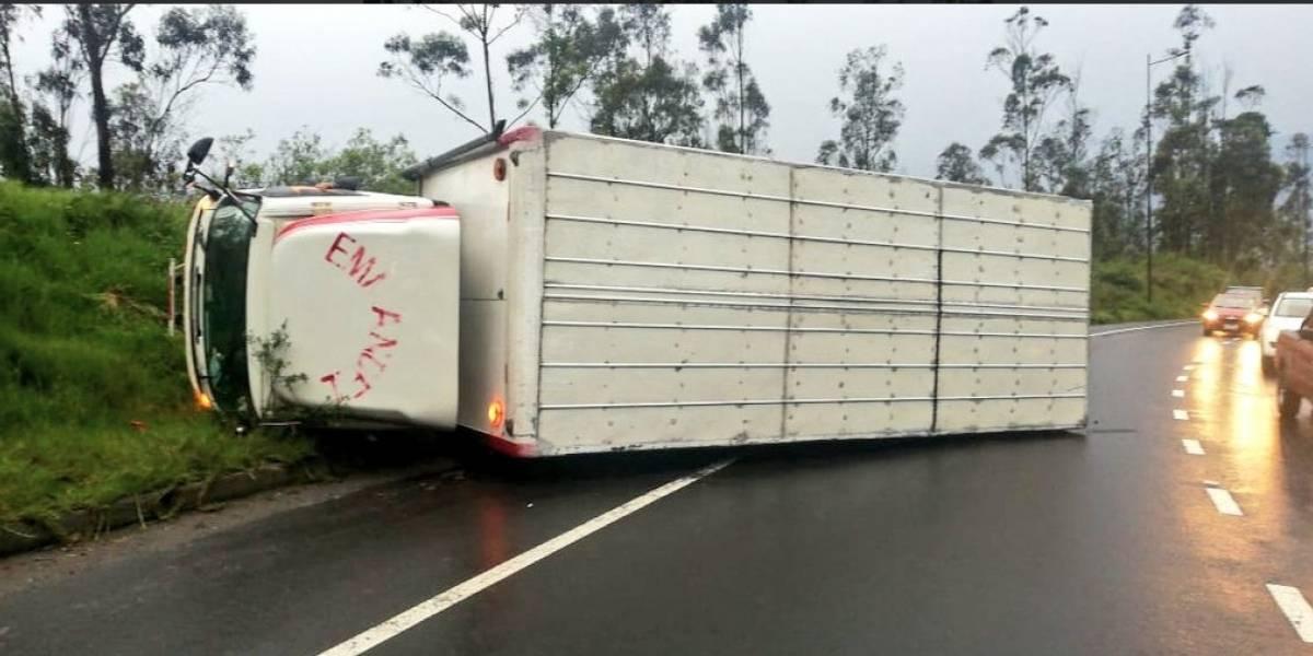 Accidente de tránsito en la Simón Bolívar generó fuerte congestión desde el redondel El Ciclista