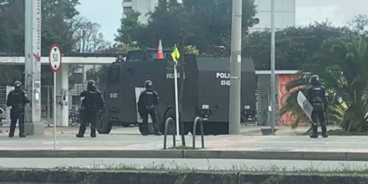 No hay paso en la calle 26 por grave situación de orden público en la universidad Nacional