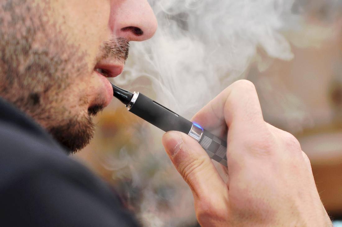 Niños: compañía creará cigarro electrónico a prueba de menores