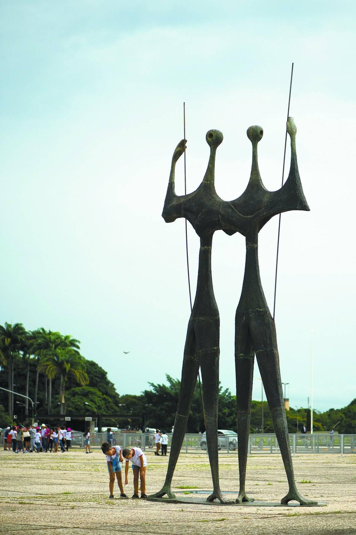 Monumento Dois Candangos