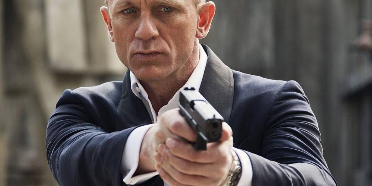 Netflix podría estar preparando una serie protagonizada por un James Bond gay