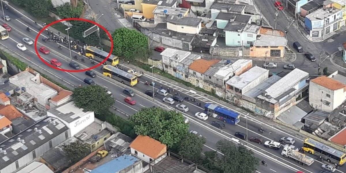 Acidente entre ônibus e moto na Radial Leste termina em morte