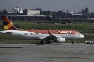 Avianca cancela mais 159 voos no Brasil; veja como consultar a situação da sua viagem