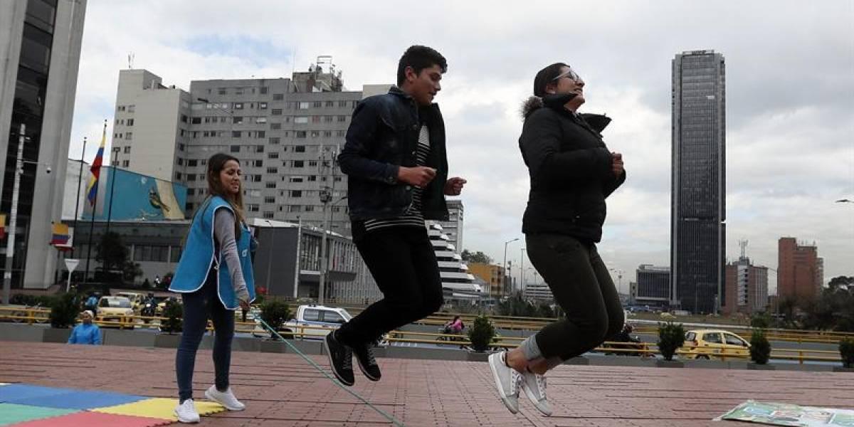 ONG llenó de juegos parque de Bogotá para protestar contra el maltrato infantil