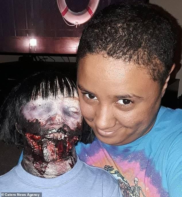 Internet muñeca zombie
