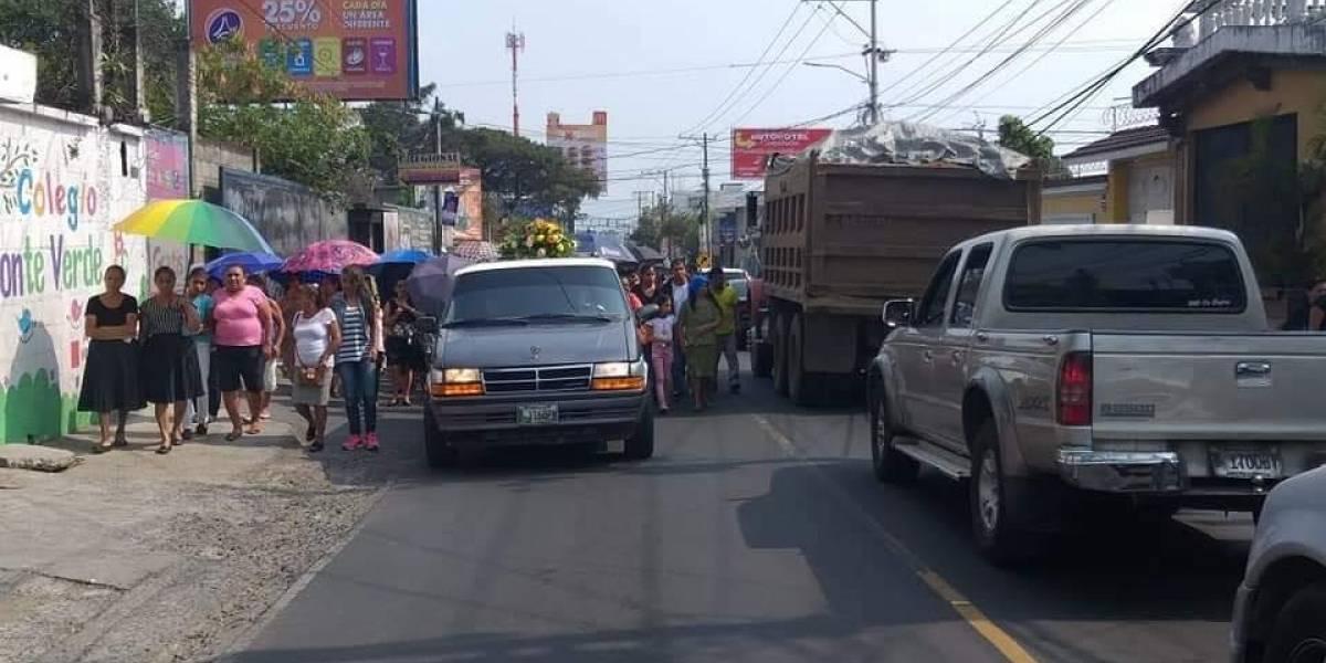 Asesinan a dos hombres en sepelio en Boca del Monte