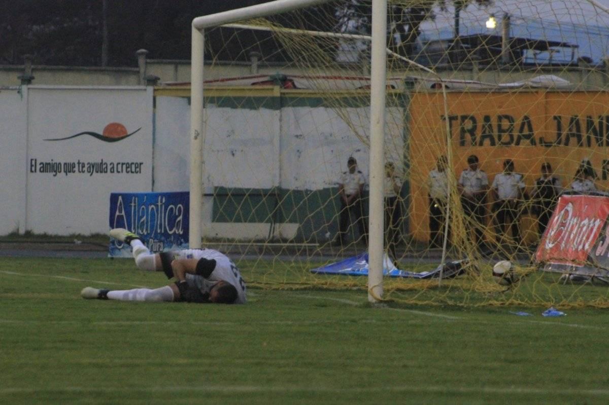 Una de las anotaciones de Municipal en la victoria 1-6 en Huehuetenango