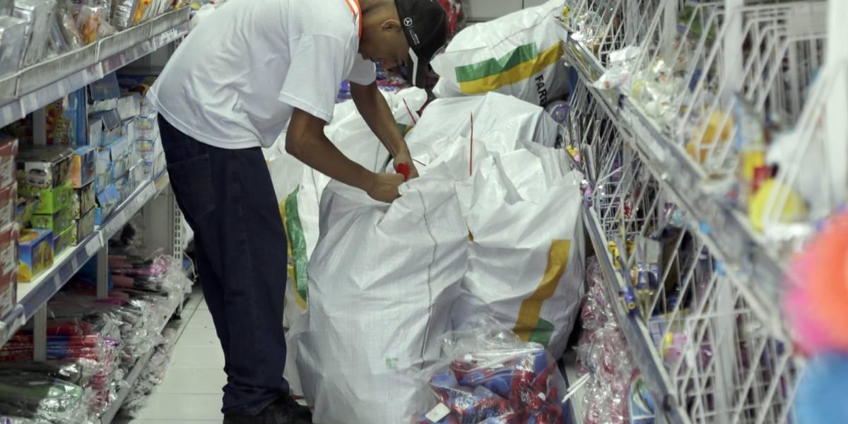 Operação apreende mais de 200 toneladas de brinquedos na região do Brás