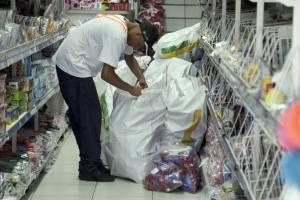 https://www.metrojornal.com.br/foco/2019/04/25/operacao-apreende-brinquedos-bras.html