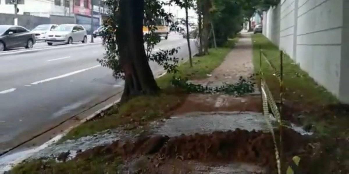 Em dois dias, avenida Interlagos tem novo vazamento de água