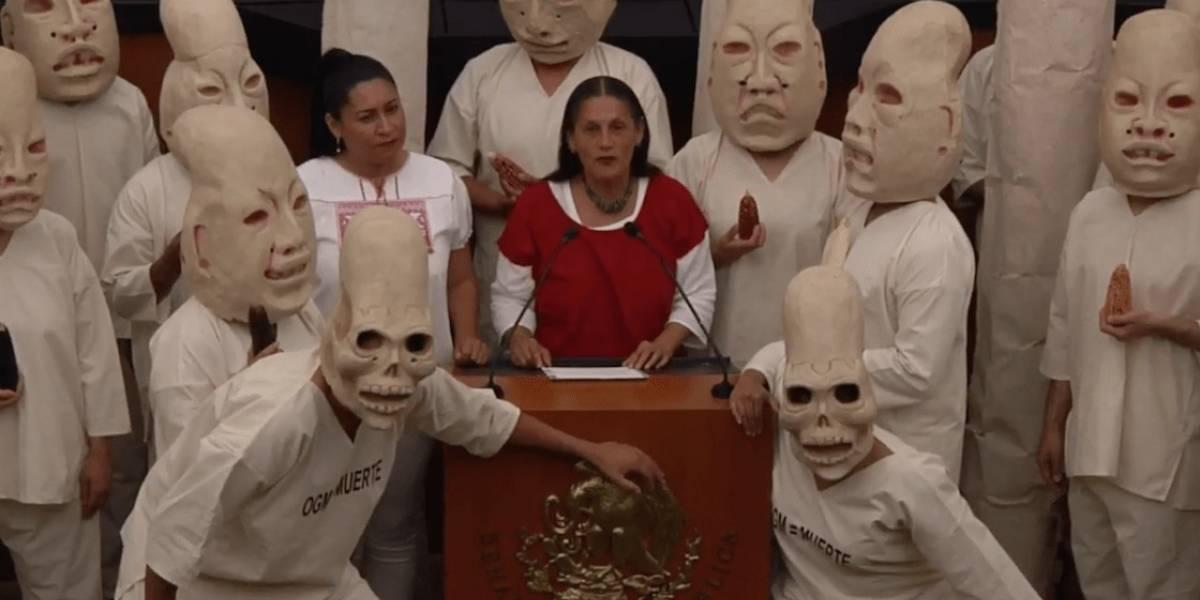 Senado de México presenta una iniciativa por medio de un ritual