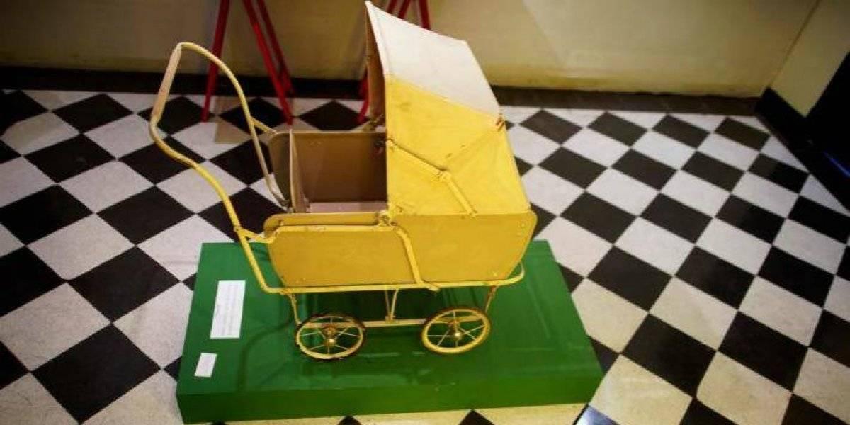A 100 años del natalicio Evita revive en muestra de juguetes