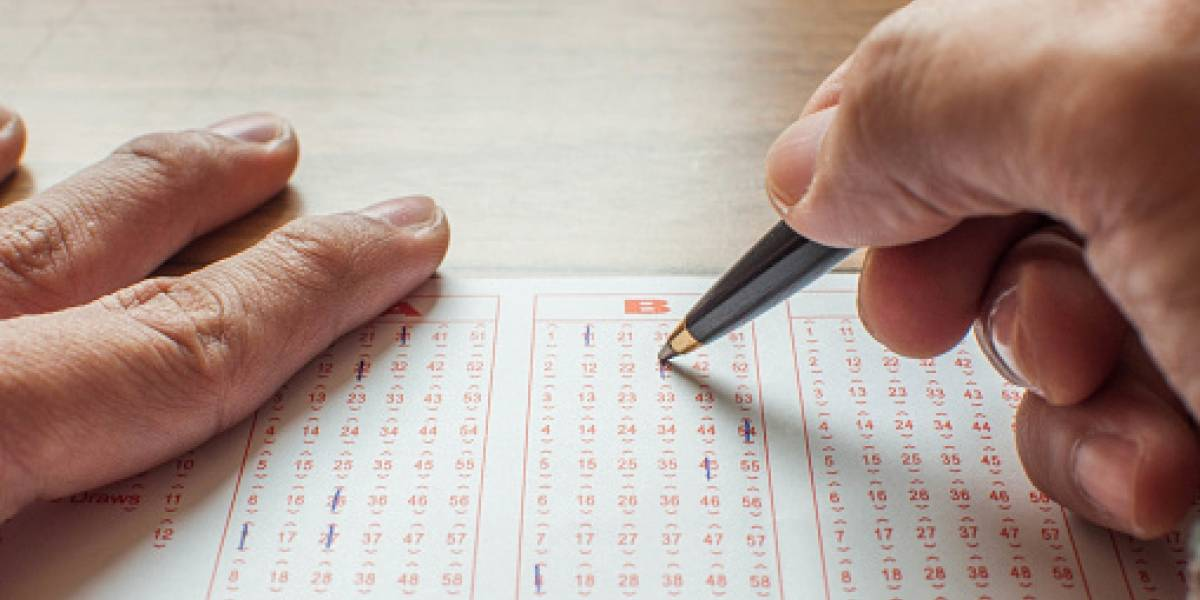 Ganan la lotería, pero no le quieren dar premio por comprar boleto con tarjeta robada