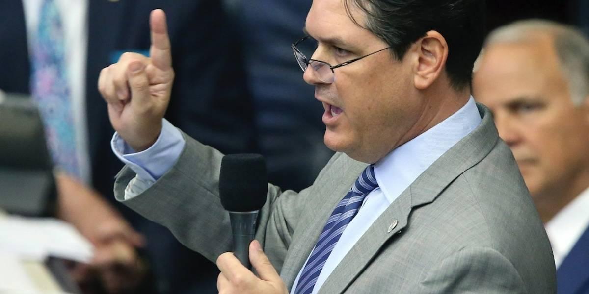 Senado de Florida aprueba prohibición de políticas santuario