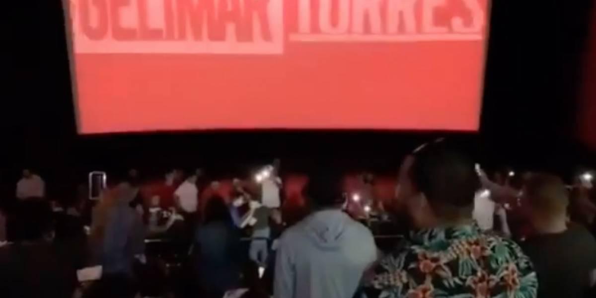 """Le piden matrimonio a joven durante estreno de """"Avengers Endgame"""" en cine de Ponce"""