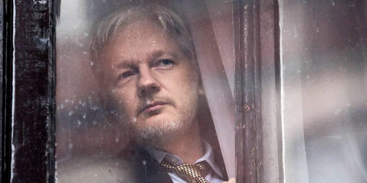 Abogados de Julian Assange presentan denuncia por extorsión en un juzgado español
