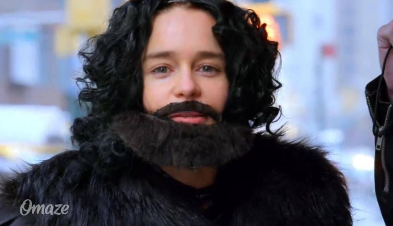 Emilia Clarke como Jon Snow en Nueva York