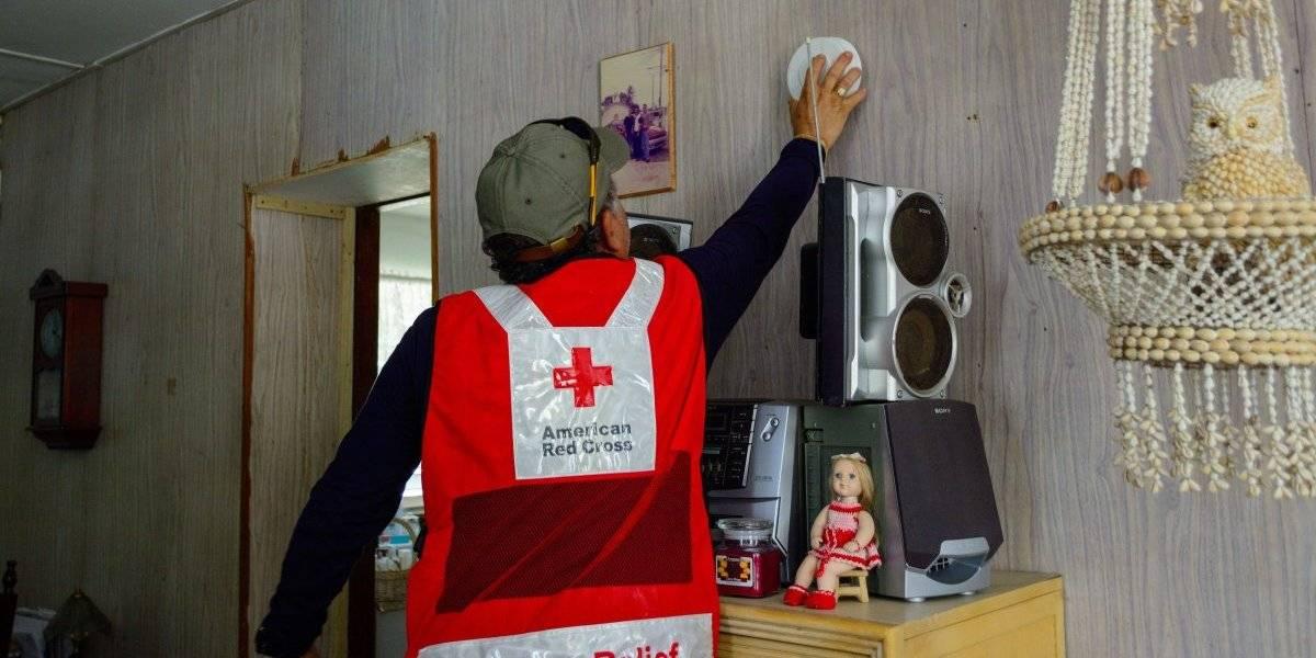 Cruz Roja Americana moviliza cientos de voluntarios para instalar detectores de humo