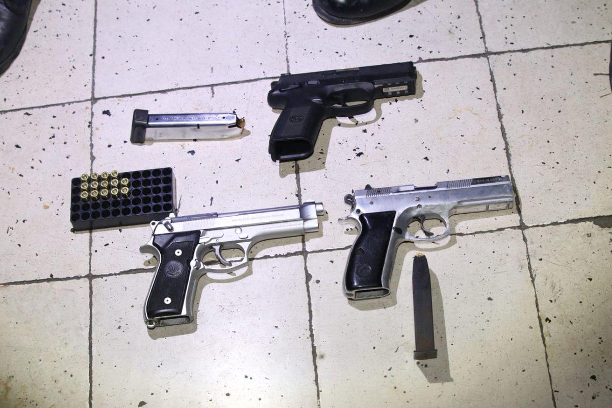 La PNC incautó seis armas de fuego a los detenidos. Foto: PNC