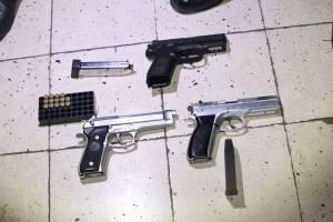 La PNC incautó seis armas de fuego a los detenidos.