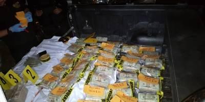 Dólares incautados en carretera a El Salvador