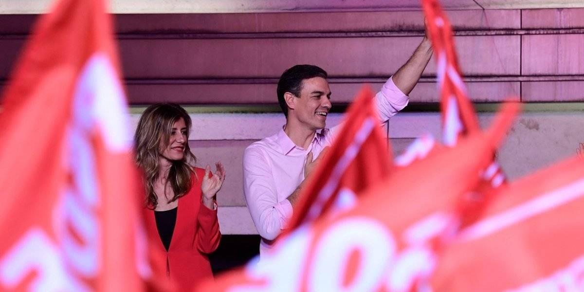 Sánchez gana legislativas en España y la derecha invade el Parlamento