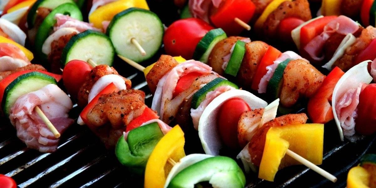 Vegetarianos ou carnívoros? Quem leva o estilo de vida mais saudável? Estudo científico responde