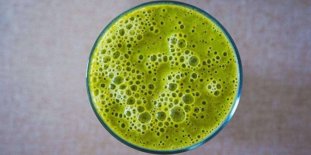 Detox verde e cítrico com cúrcuma: antioxidante e depurativo; confira a receita