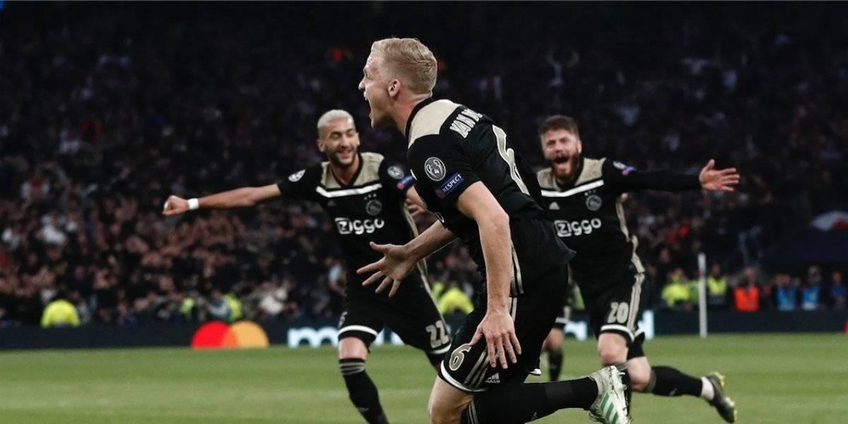 Usuarios se rinden ante el Ajax, así reaccionaron tras el primer gol