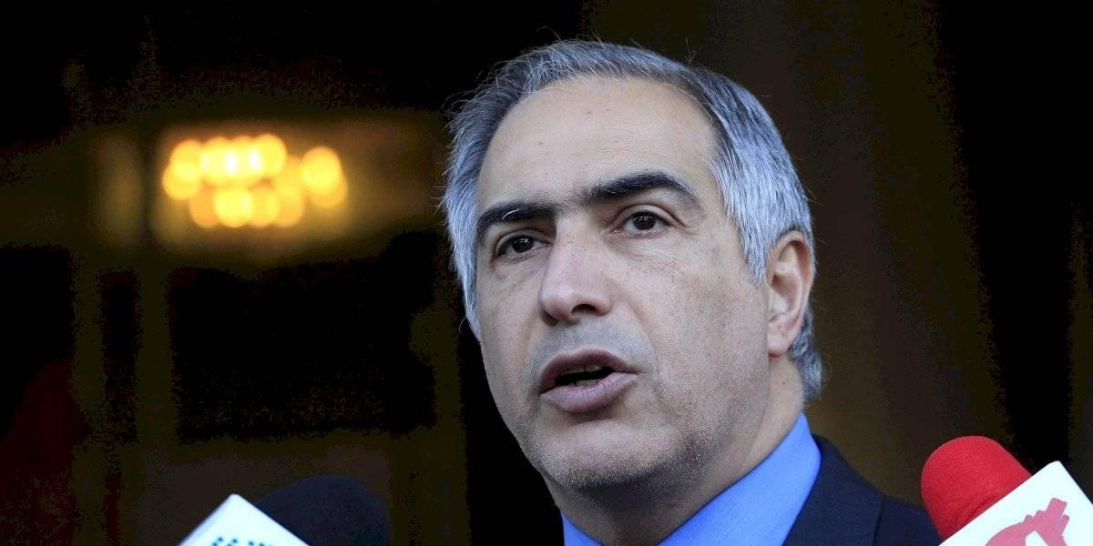 """Francisco Chahuán se desmarca de Piñera: """"Lo peor de la crisis no ha pasado, claramente no ha pasado"""""""
