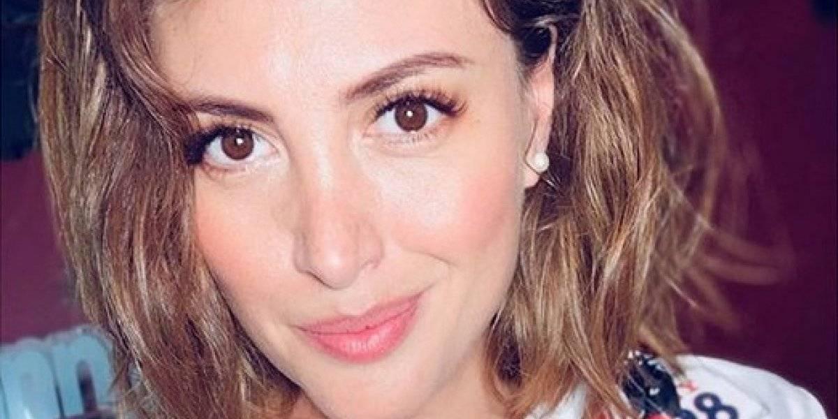 """""""¿Qué le pasó a su voz?"""": Karen Bejarano impactó y no convenció al cantar antiguos temas en """"Viva la Pipol"""""""